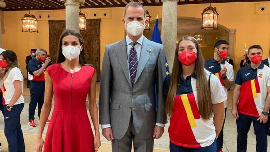 Los deportistas olímpicos de Elda y Petrer en la recepción de la Casa Real