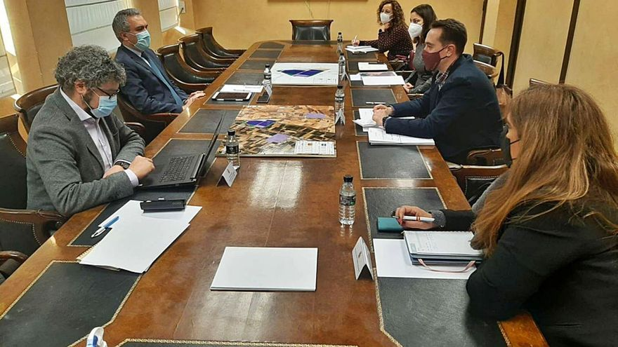 La Delegación del Gobierno urge el plan de mejora de accesos de la A-6 a Benavente