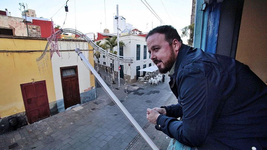 Martín Casanova ordenó trece contratos menores sin informes jurídicos previos