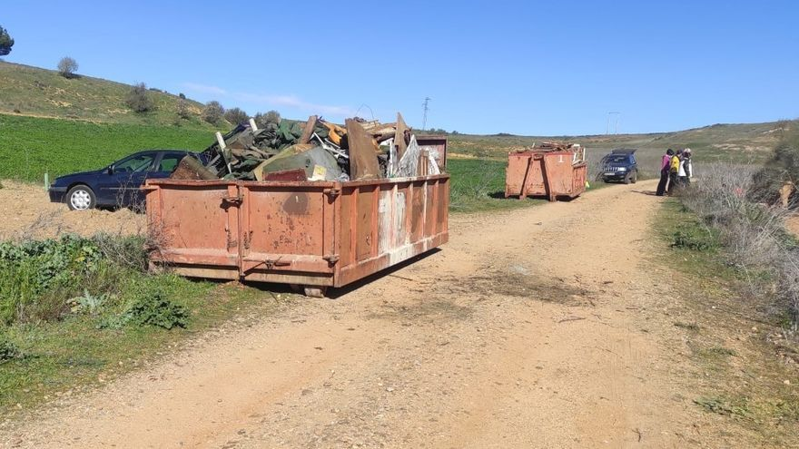 ProCulto retira residuos de Valdeví en Toro para concienciar sobre el cuidado del medio ambiente