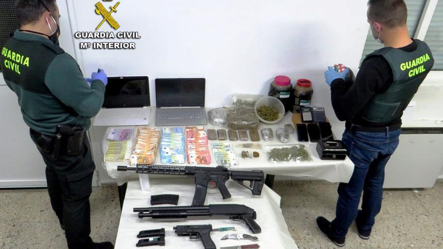 """La Guardia Civil desmantela un """"importante"""" punto negro de venta de droga en Caldas"""