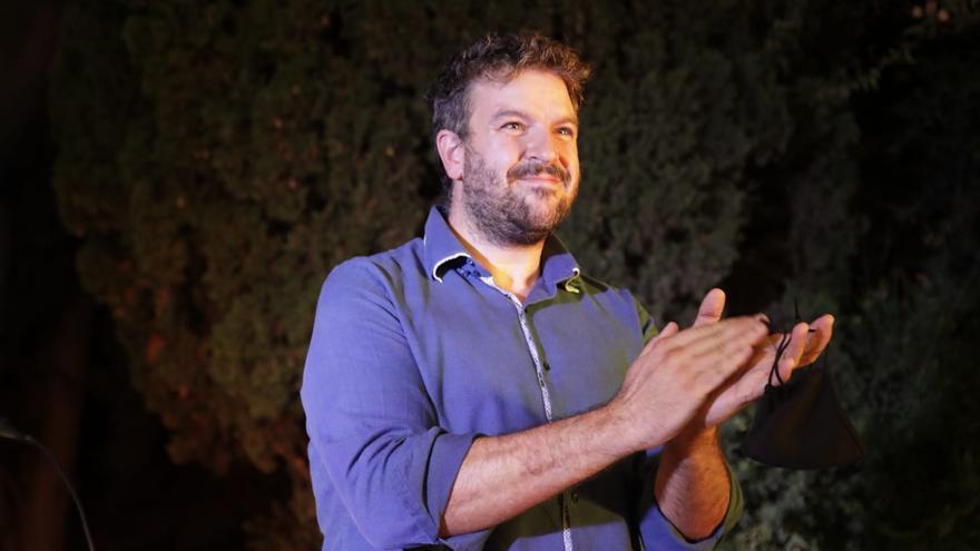Lluís Apesteguia gana las primarias con el 56% de los votos y derrota al aparato