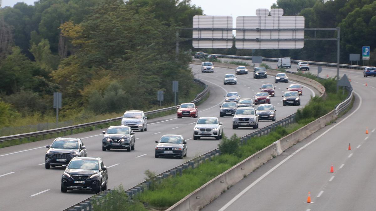 Vehicles circulant per l'AP-7 a l'altura de Martorell i Castellví de Rosanes en direcció Barcelona