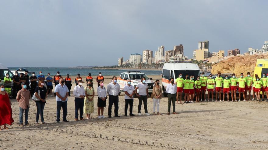 El Campello refuerza los servicios de socorrismo, seguridad y limpieza en las playas para este verano