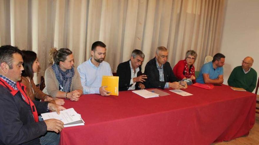 La falta de consenso impide el cambio de nombre del colegio público de Castropol