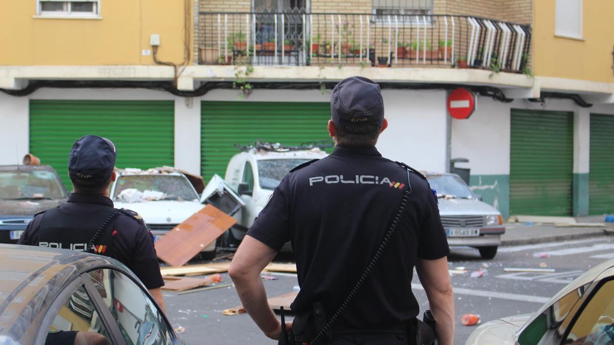 Dos agentes de Policía Nacional en una foto de archivo