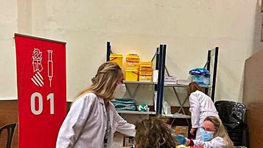 Sanidad cita para vacunarse en el Museu Faller de Gandia a los nacidos en 1956 y 1957