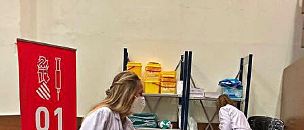 La vacunación en el Museu Faller.   LEVANTE-EMV