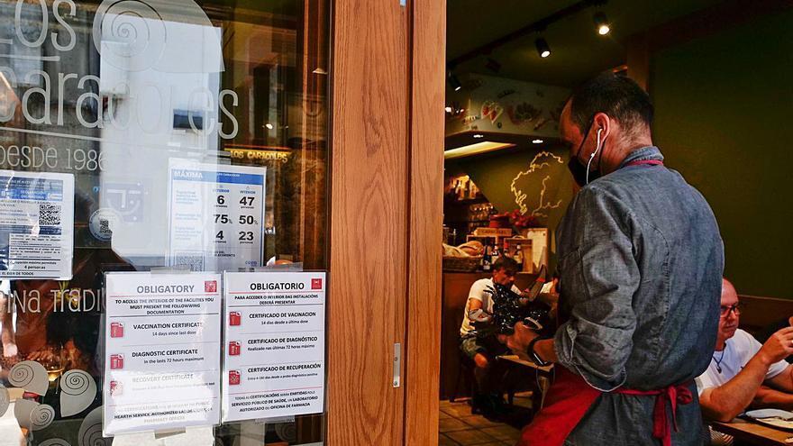 La Xunta acude al TSXG para poder exigir el certificado COVID en los bares 21 días después