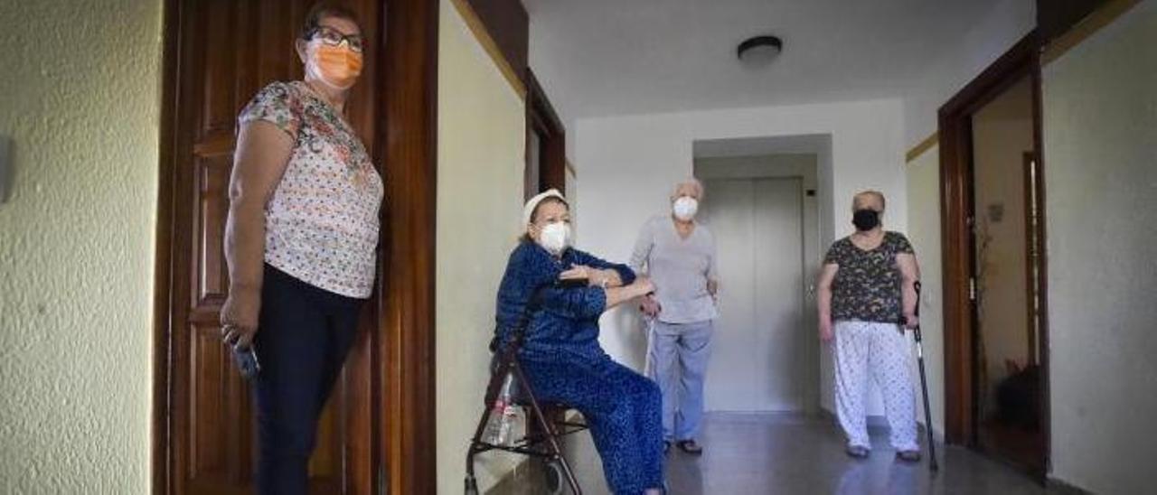 Un ascensor para descansar las rodillas | ANDRÉS CRUZ