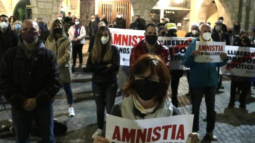 """El sobiranisme surt al carrer en solidaritat amb els """"presos polítics i exiliats"""""""