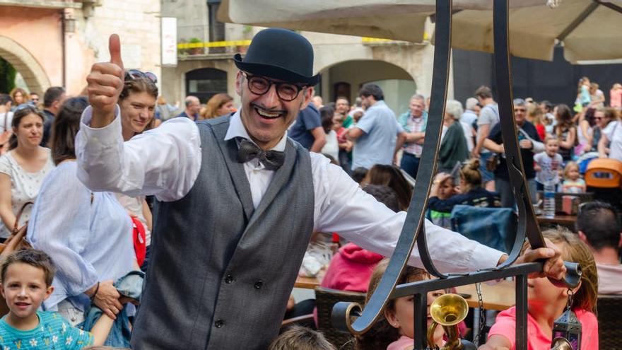 El FIMAG i la Diputació de Girona creen un catàleg per espectacles de màgia amb 67 artistes