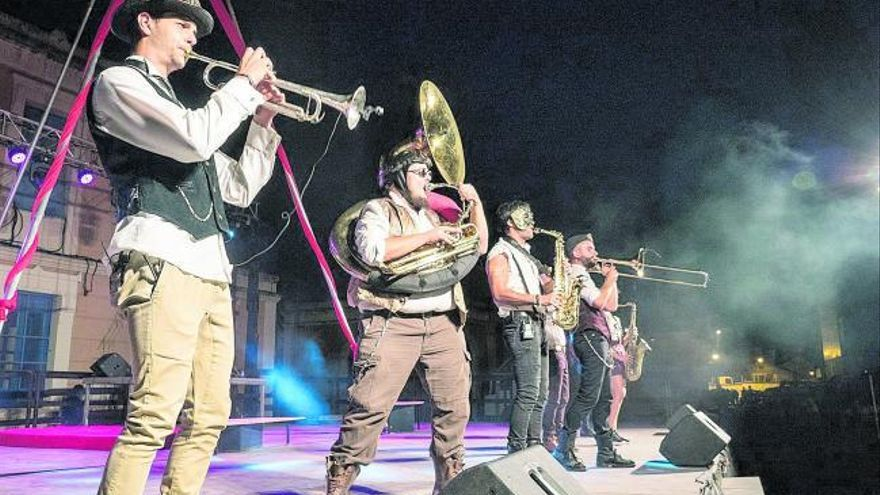 Steam Circus Cabaret, un viaje al interior de una máquina de música