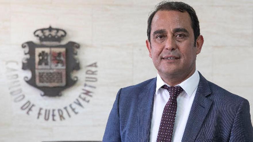 El Cabildo majorero pide autorización para comprar diez respiradores y 300.000 mascarillas