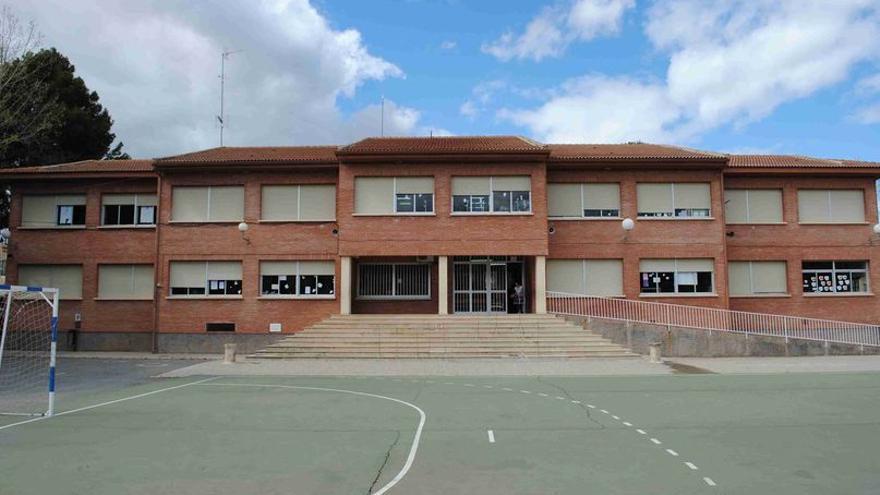 Confinadas dos aulas del colegio Santa Catalina de Pinoso