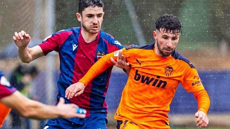 Otra derrota consuma el fracaso: el Mestalla desciende