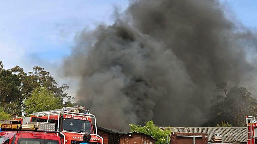 Bomberos y Emergencias de O Salnés, afectados por las bajas del GES de Sanxenxo