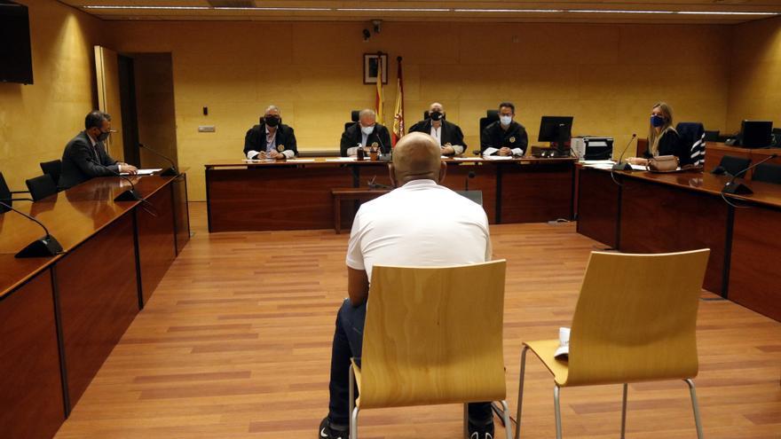 Jutgen un acusat d'intentar violar una jove en un aparcament a Lloret