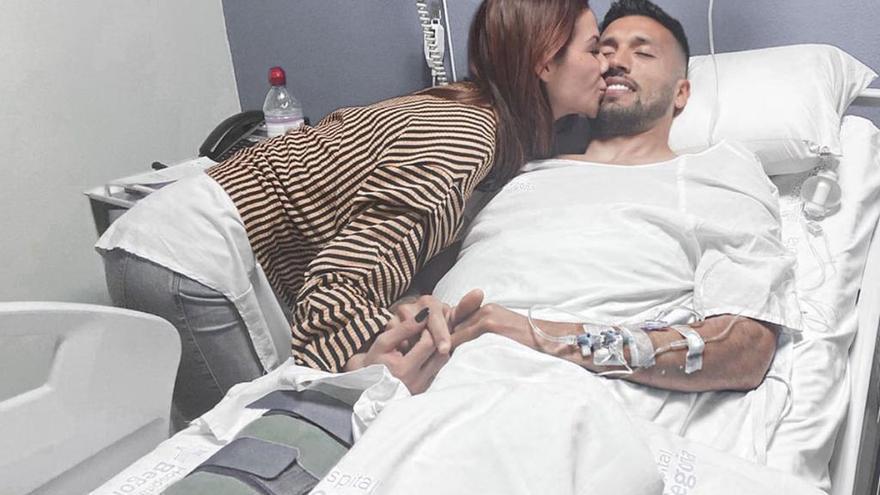 El hijo pequeño de Garay y Tamara Gorro, ingresado por neumonía en el hospital