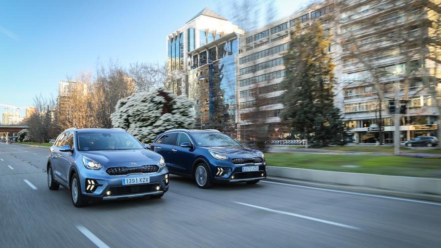 ¿Qué es más rentable: un coche híbrido o un vehículo eléctrico?