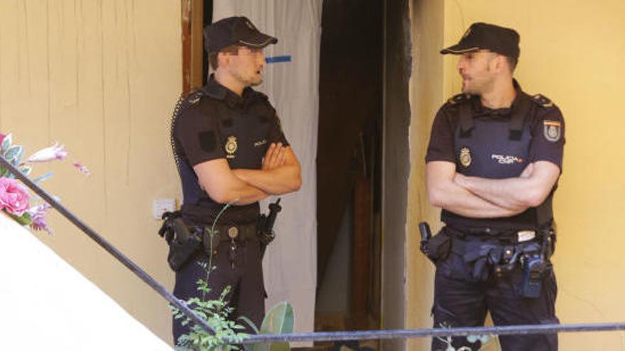 Un home de 35 anys mata a trets els seus pares a València