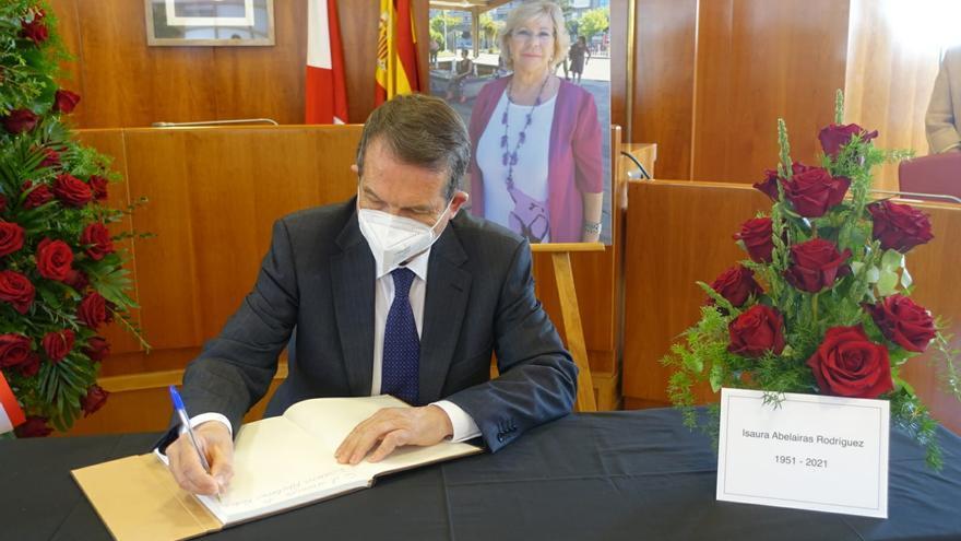 "Caballero lamenta la muerte de Isaura Abelairas: ""Tenía un corazón inmenso"""
