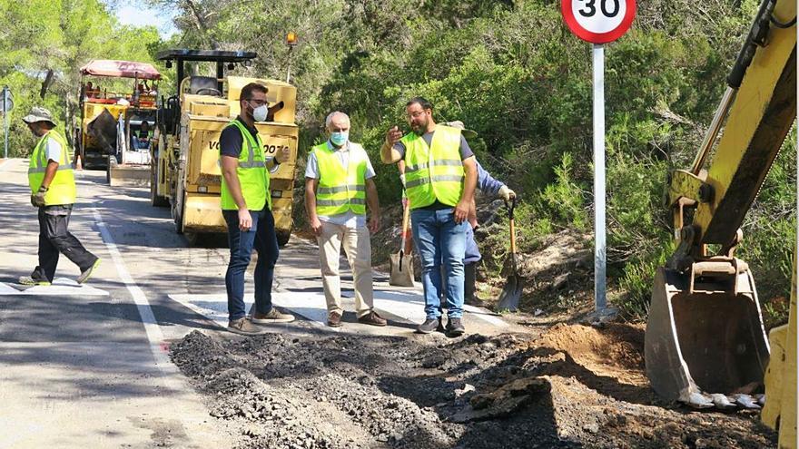 Obras de mantenimiento de la red viaria en Sant Antoni
