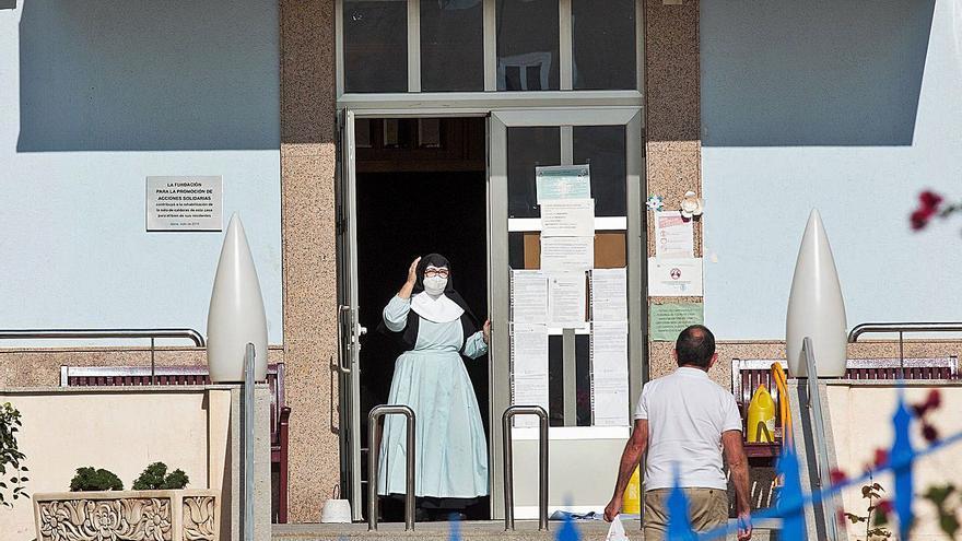 Dan de alta a las dos únicas hospitalizadas por el brote con 46 afectados del Asilo de Xixona