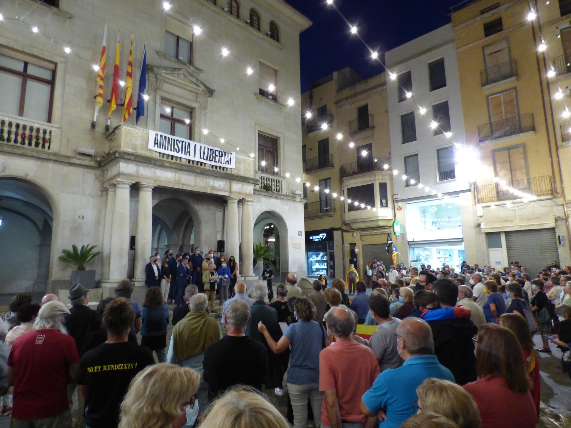 Concentració Free Puigdemont a Figueres