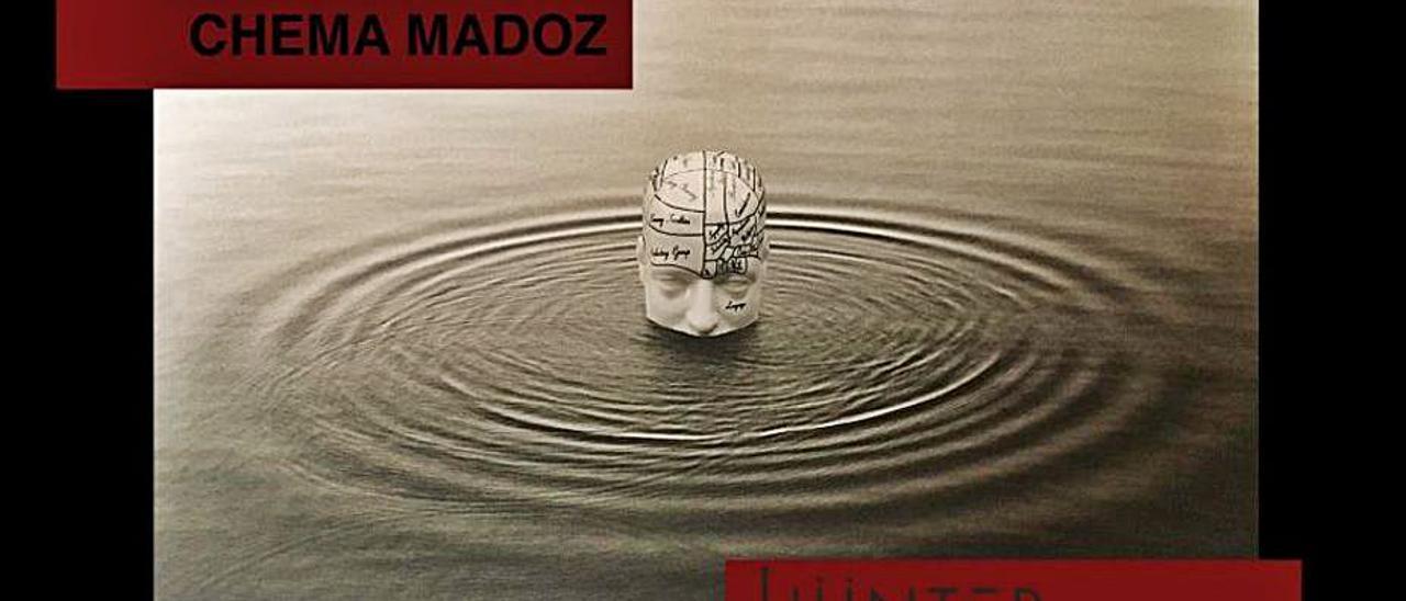 Imágenes de Chema Madoz, algunas pertenecientes a las exposiciones Crueldad  y Las reglas del juego.