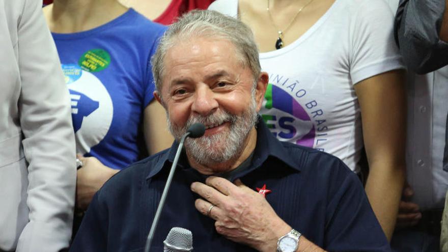 Lula vuelve al Gobierno de Brasil para lograr inmunidad