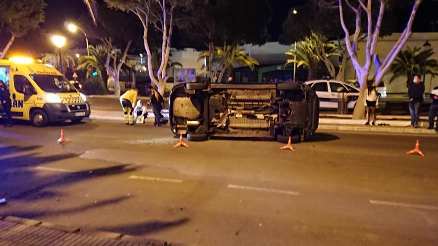 Dos heridos tras el vuelco de un vehículo en Arrecife