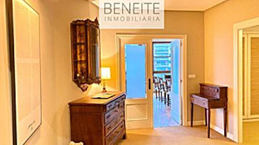 2.500 € Alquiler de piso en Casco Urbano (Vigo), 3 habitaciones, 3 baños...