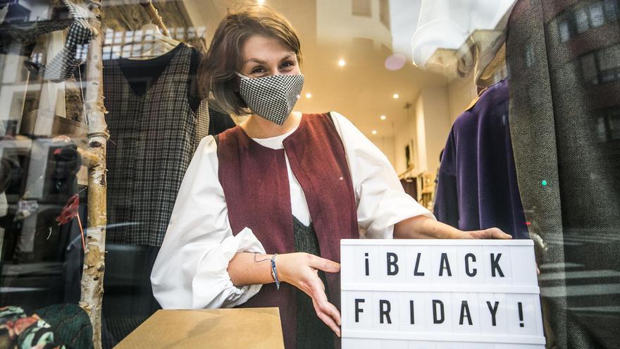 """El Black Friday llena las tiendas en Asturias: """"Hay mejores descuentos que otros años"""""""