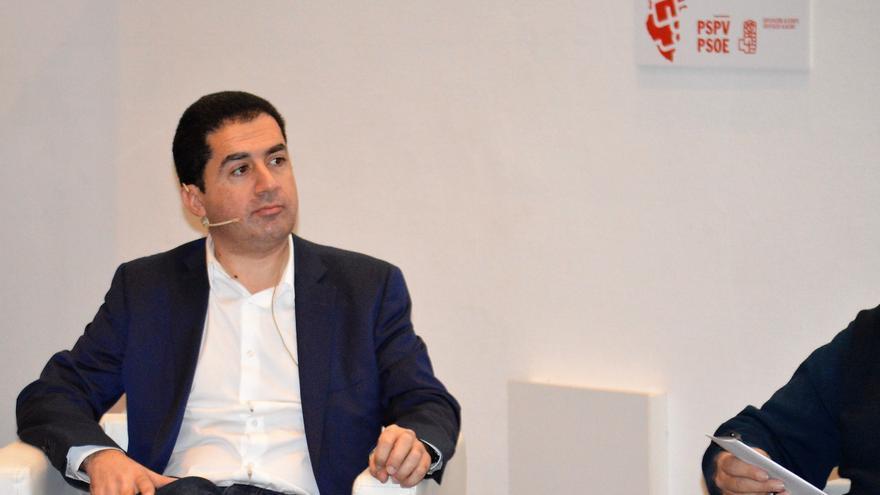 El presidente de la Diputación y los alcaldes de Elche y Alcoy consideran que no se debe perder el laboratorio de análisis de aguas