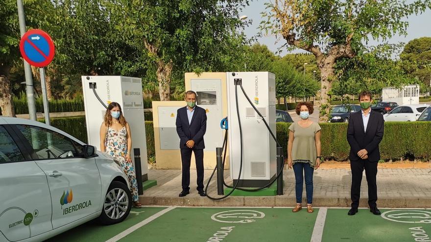 Iberdrola y Almenara activan un plan de movilidad sostenible con tres puntos de recarga para vehículos eléctricos