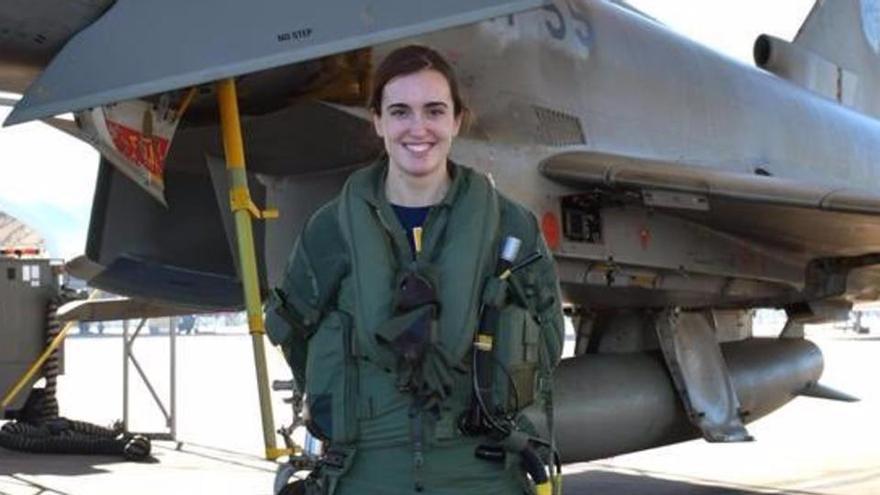 Una mujer pilota por primera vez un Eurofighter en España