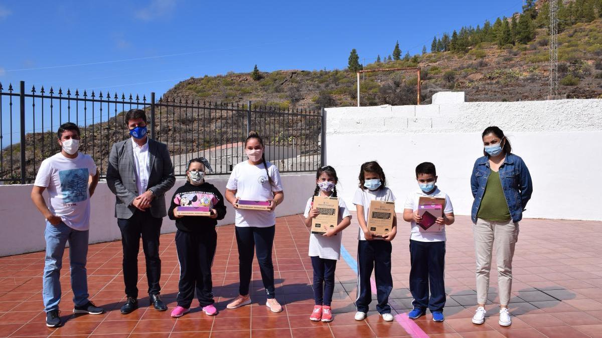 El Alcalde entregó los premios de los concursos educativos desarrollados antes y durante el confinamiento