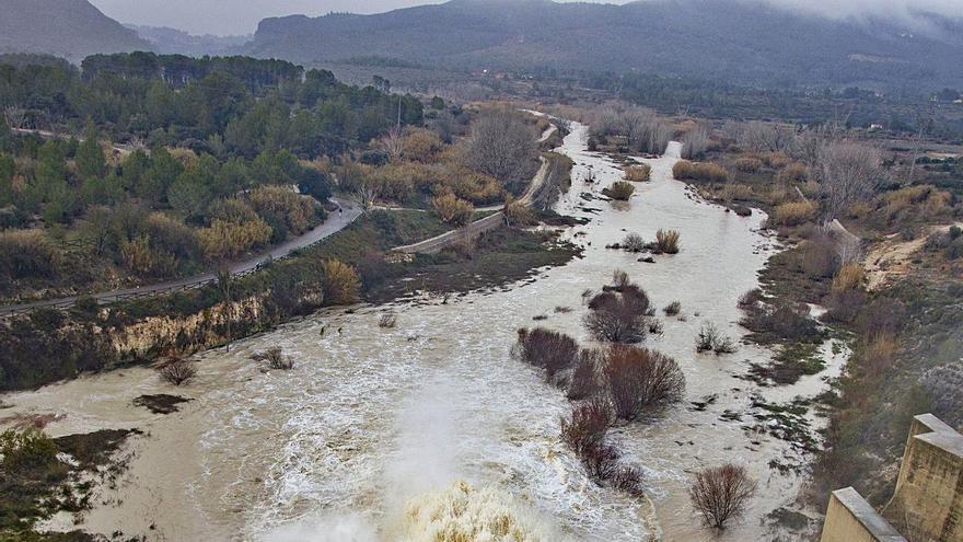 La CHJ acepta ahora inundar la vía férrea en Bellús para evitar las riadas en la Ribera