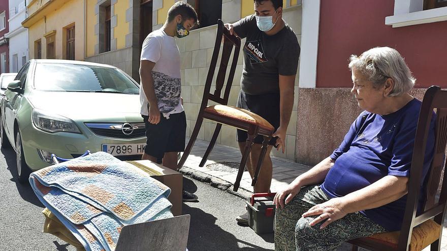 Desahucian a una pareja de jubilados y a su hijo discapacitado en Arenales