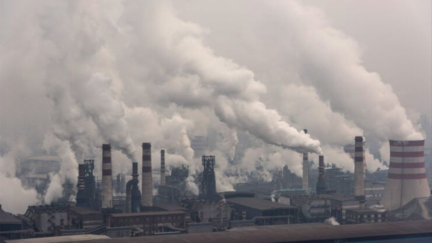 Efecte rebot en les emissions: creixen un 4,8% en 2021