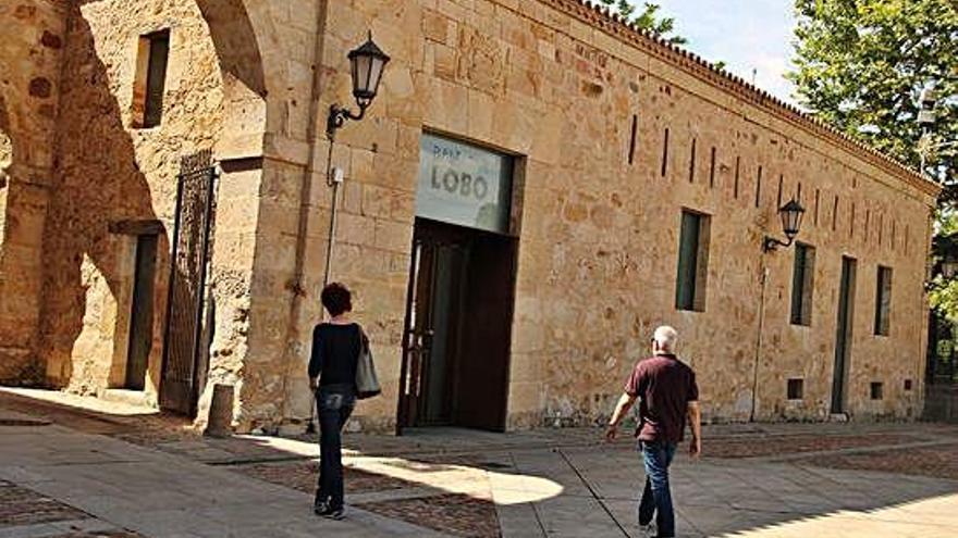Imagen de la Casa de los Gigantes, propiedad de la Iglesia y sede del Museo Baltasar Lobo.