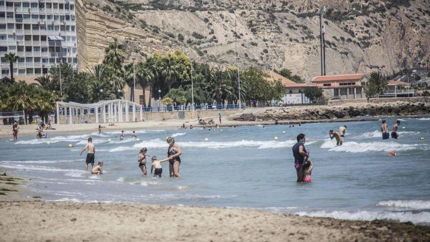 El MITECO saca a información pública el proyecto de mejora de la playa del Postiguet de Alicante
