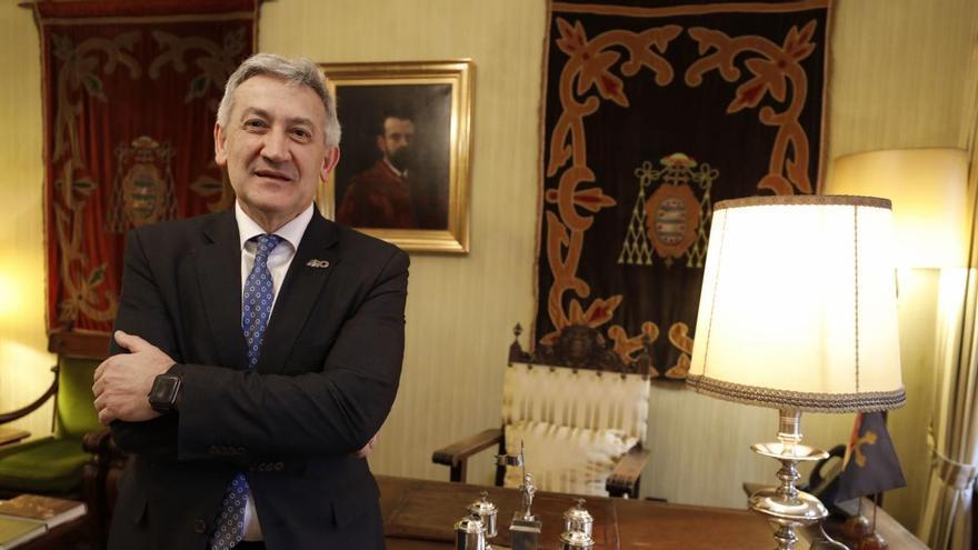El rector de la Universidad de Oviedo, confinado en su domicilio tras dar positivo en coronavirus