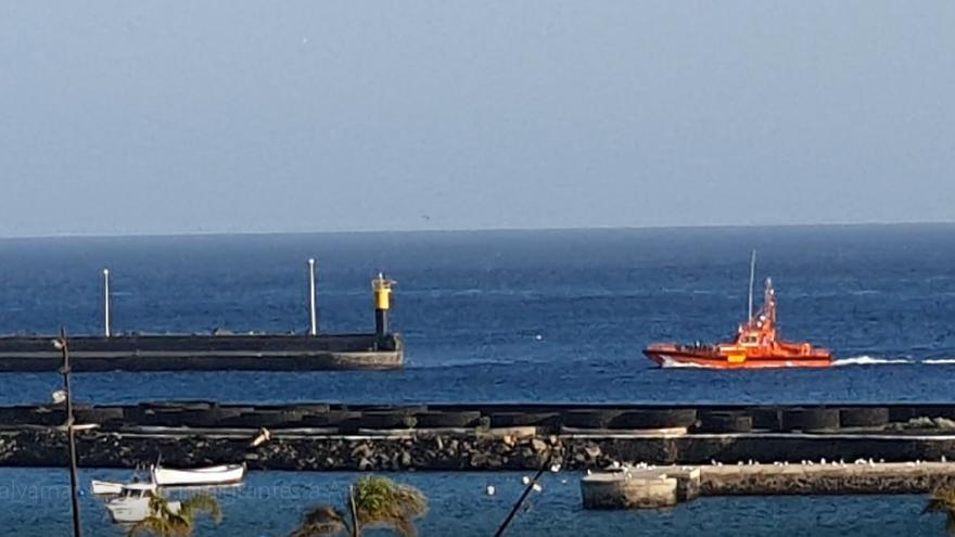 Salvamento Marítimo localiza una patera con 34 magrebíes cerca de Lanzarote