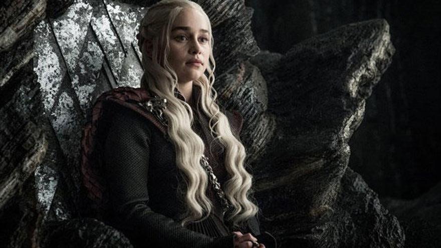 Emilia Clarke: «A Juego de Tronos cobro el mateix que els meus companys»