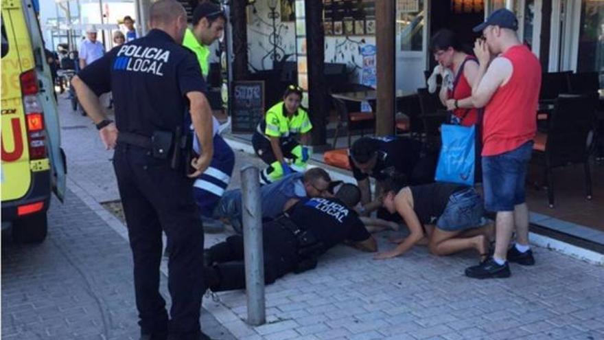 Polizisten gelingt Wiederbelebung eines Kleinkinds in Cala Bona