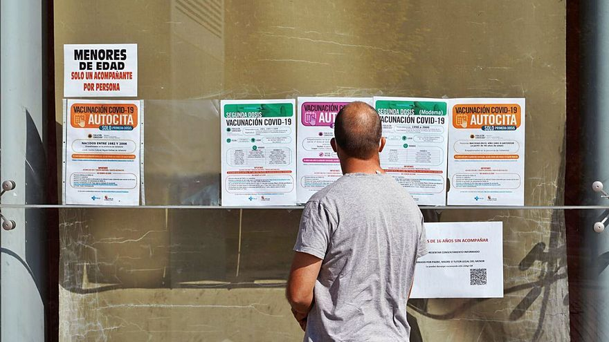 Cuatro de cada cinco castellanoleoneses cuentan ya con una dosis de la vacuna