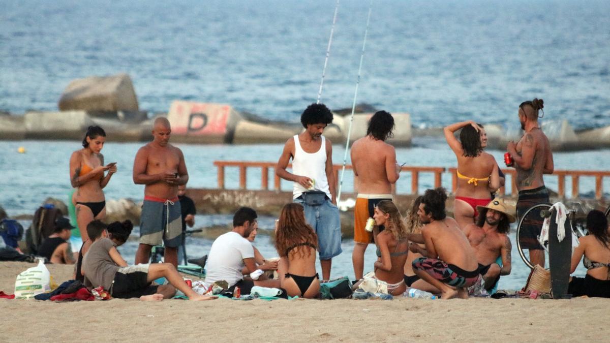 Reunió social a la platja