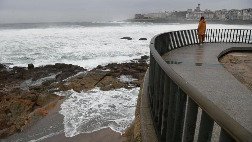 Alerta naranja por olas de hasta 6 metros en A Coruña